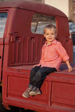 E_Merritt_Fall Family Session_300-39_A5$60__M1at77fmsk55