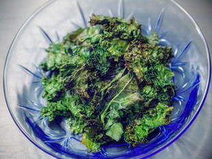 Whole30 Oven-Roasted Kale Chips