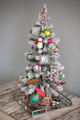 Christmas Memory Tree Ideas & Family Traditions
