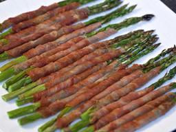 Whole30Prosciutto Wrapped Asparagus
