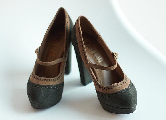 Sapatos altos camurça e verde