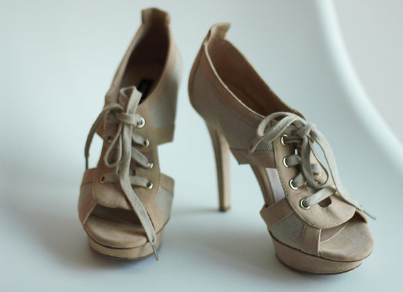 Sapatos altos Mango