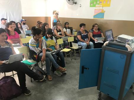 Colegio Researcher de Plottier Implementa un aula digital móvil y Capacita a todos sus docentes.