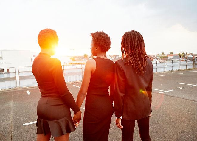 Gruppe von weiblichen Freunden