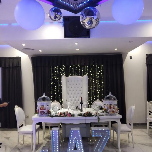Mesa Principal de Jaz, súper floral.