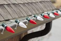 hang-christmas-lights-on-gutters.jpg