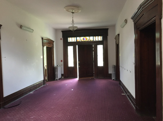 Front hall1 before.jpg