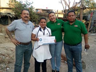 Comunidad Bafar hizo entrega de una ayuda económica a colaboradores y sus familias