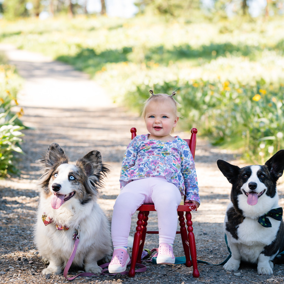 Theresa Easter Family Photographer, Kelowna BC