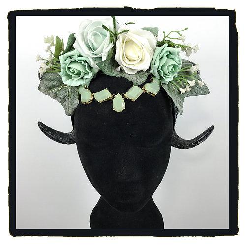 Mint gold ivy rams horns