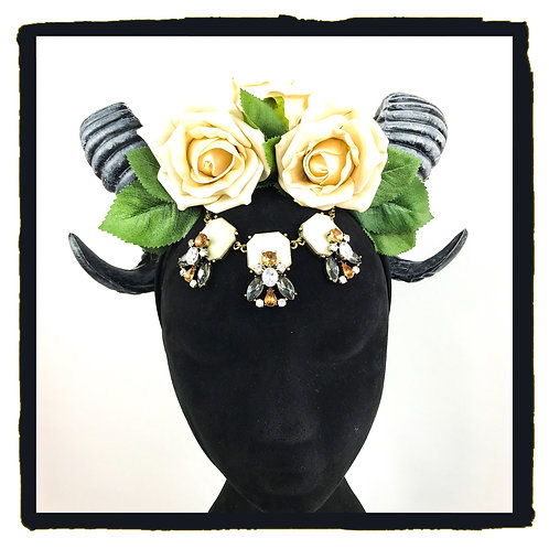 Pale coffee roses with crystal jewellery