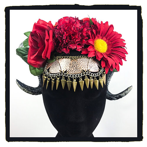 Red rose jewelled rams horns bold gold detail