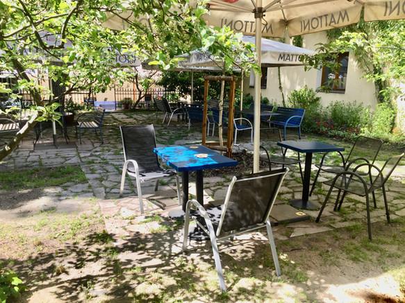 Letní zahrádka ve Strop café
