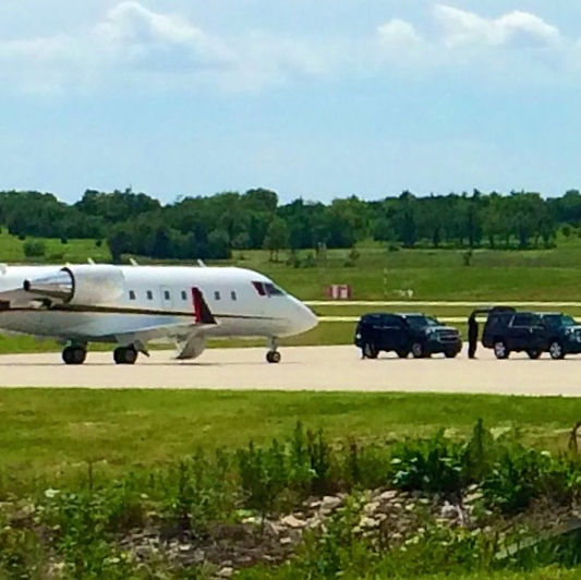 Black Label specializes in private airport and executive arrivals a.d departures.