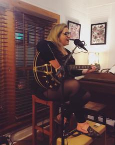 Aleyna LIVE at Black Dog Cafe