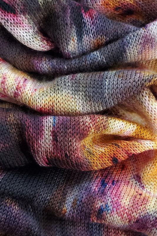 yarn wallpaper 2.jpg