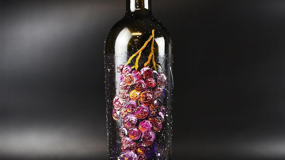 Grape Cluster on 750ml bottle