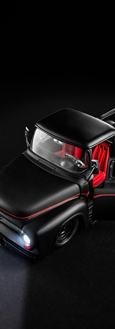 V8 Car Miniature