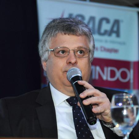 André Barrozo