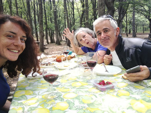 Pic nic in nature, sicilian food and Etna wine