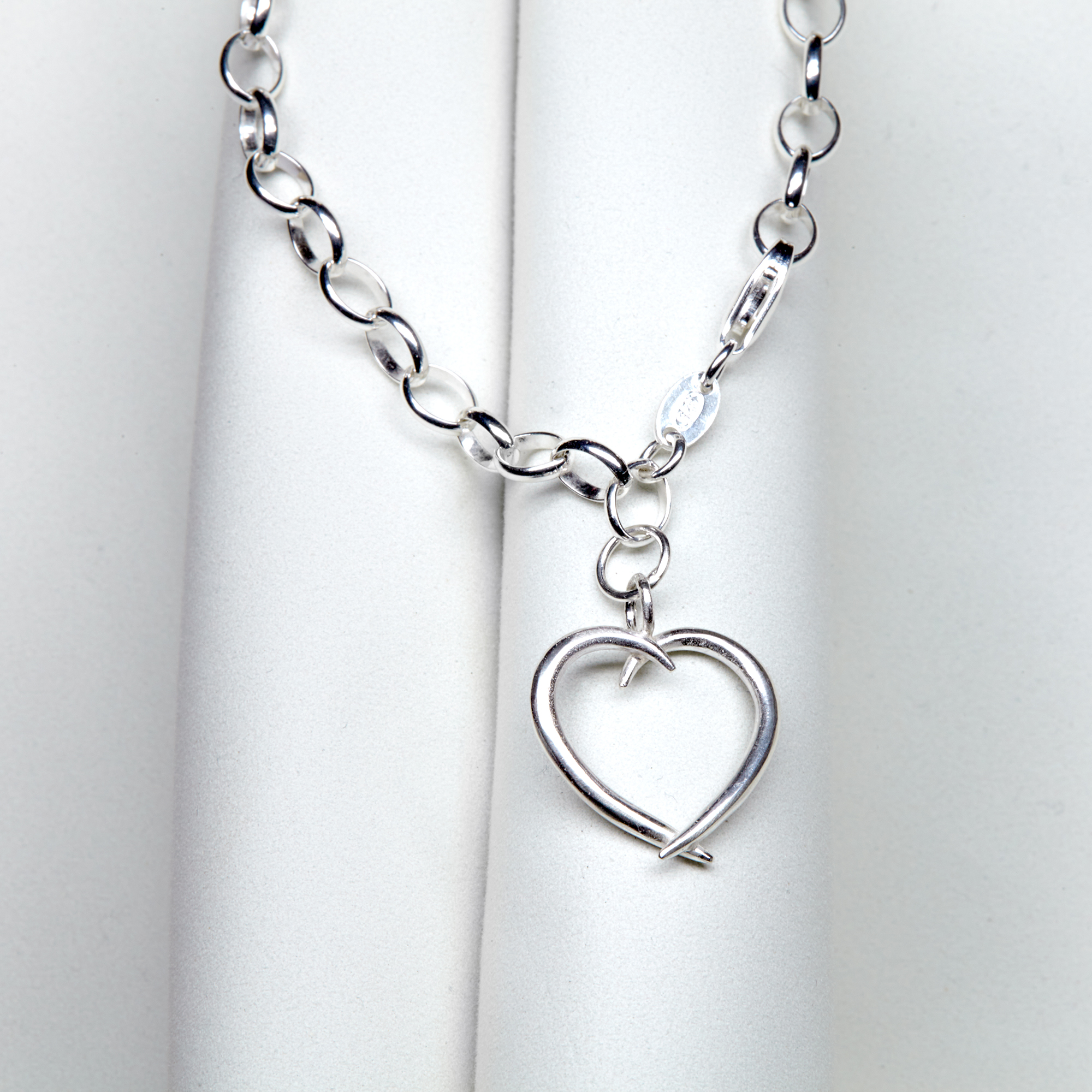 Medium Heart Bracelet