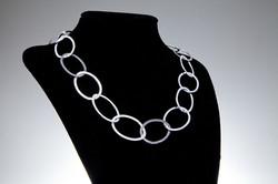 Oval leaf necklace