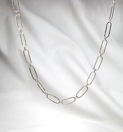 Oblong link necklace