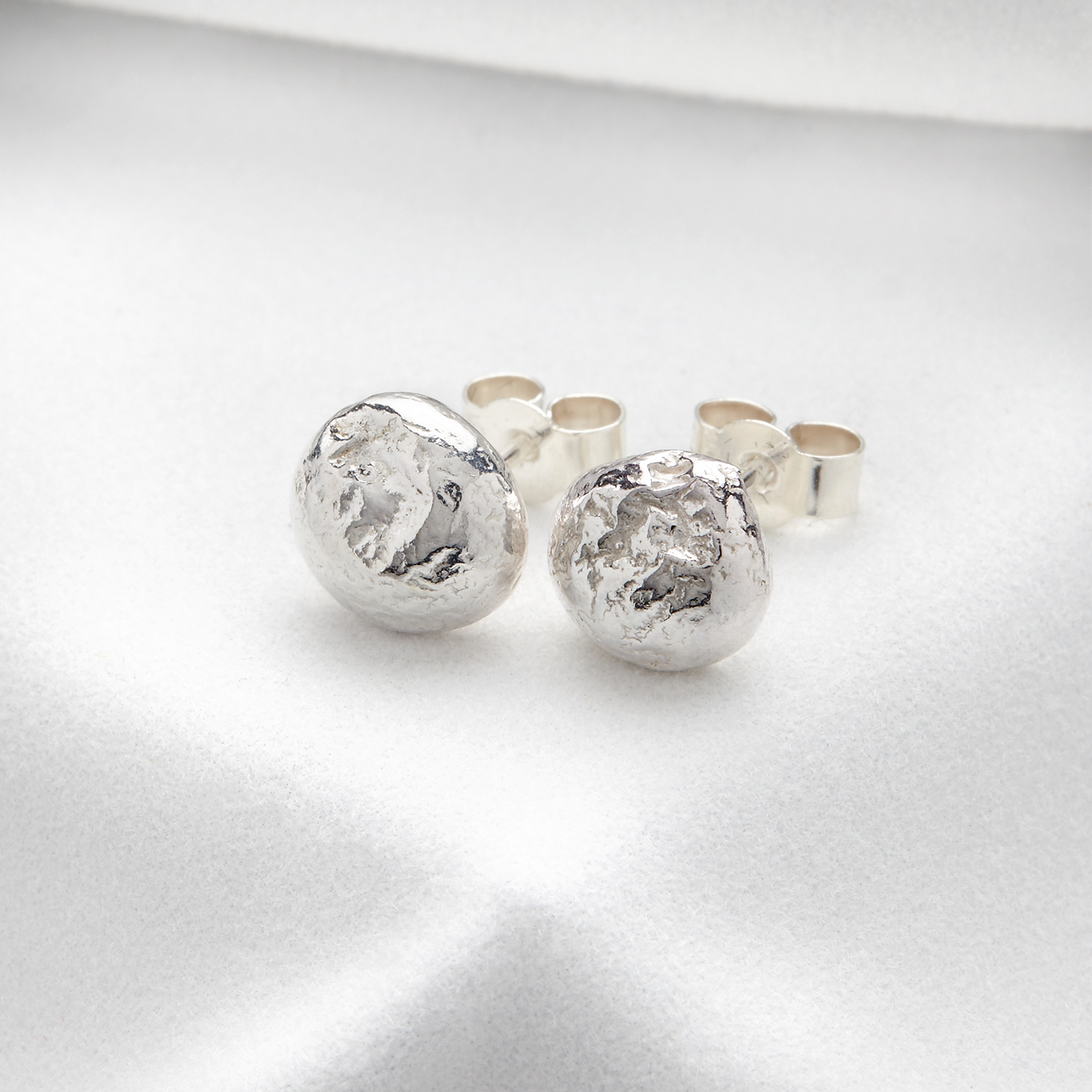 Splash stud earrings