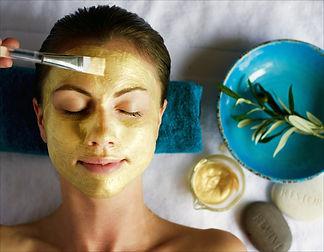 Gold radiant face mask