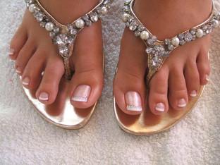 Beautiful gel polish toes