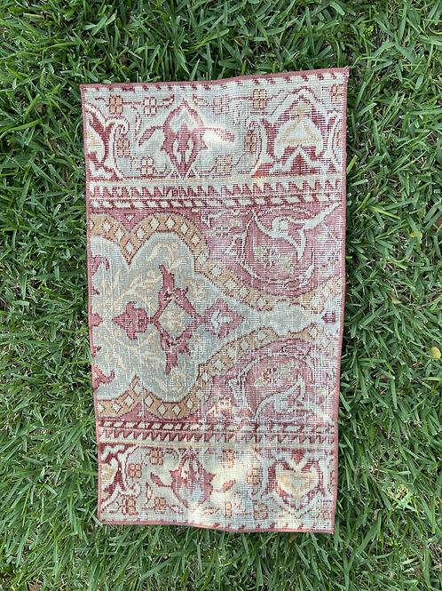 Natalie 1.6' x 2.9' Vintage Rug