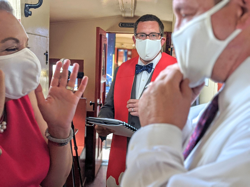 Couple celebrating their wedding during the COVID pandemic