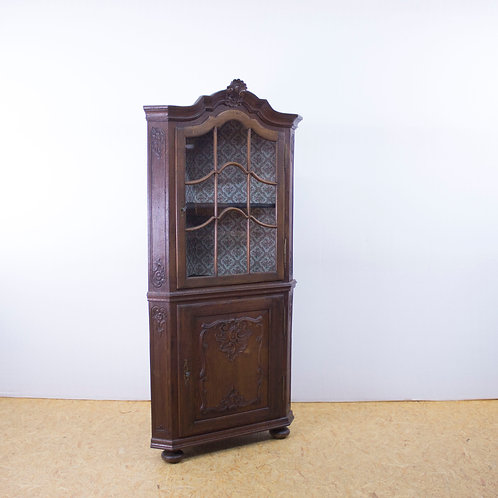 Corner cabinet / vitrine