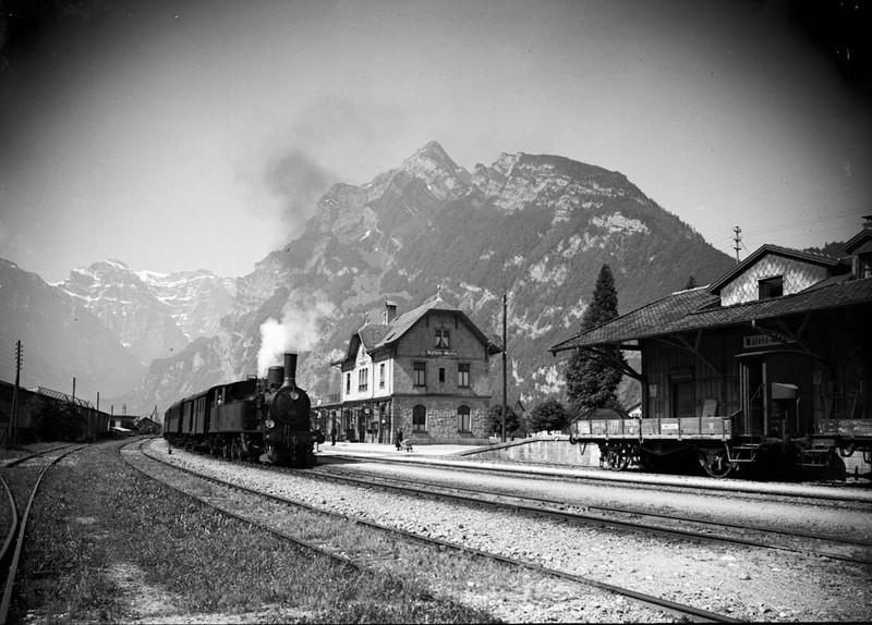 Bahnhof um Jahrhundertwende