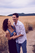 Engagement session in the wheat field