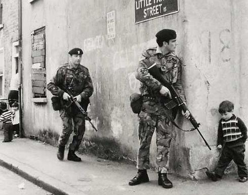 Belfast Political Tour -Conflicting Stories