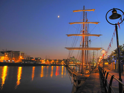 dublin port night