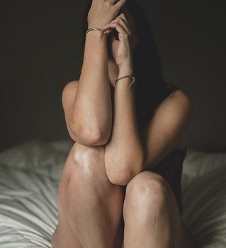 barefoot-bed-body-1922220.jpg