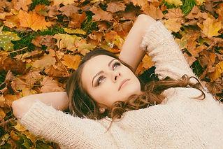 autumn-autumn-leaves-beautiful-694445.jp