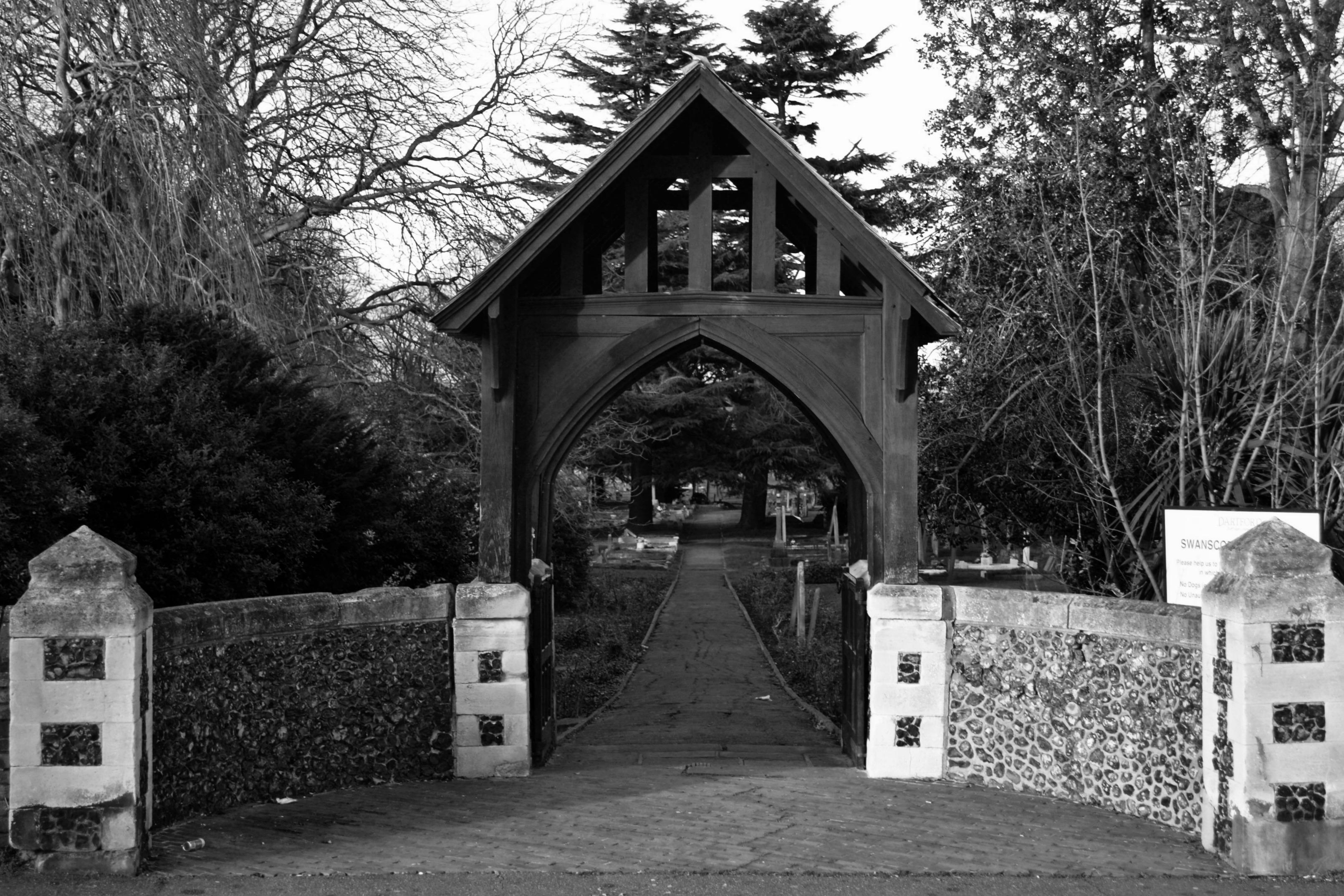Arch, Swanscombe