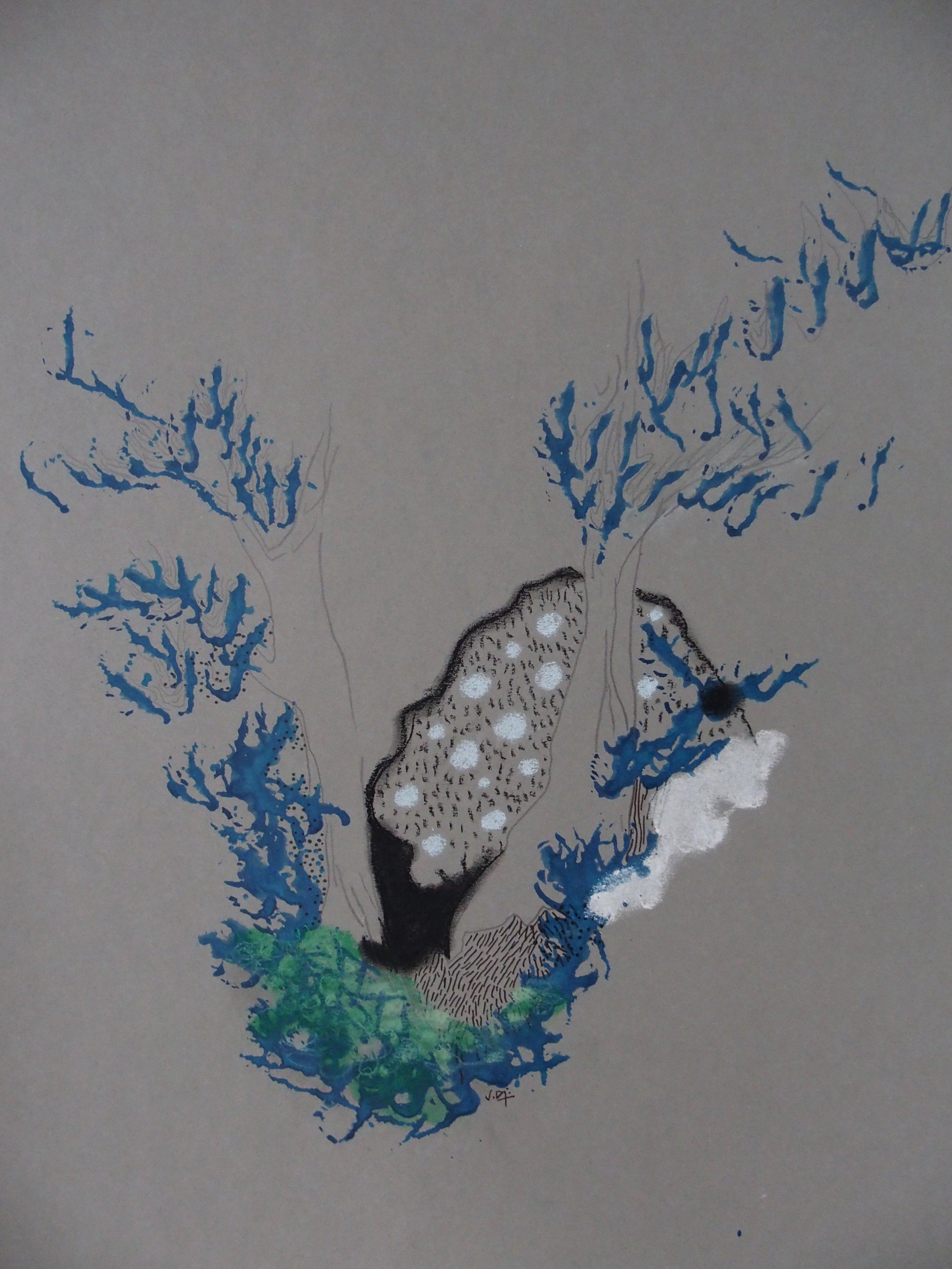 Confin paysage aux feuilles bleues