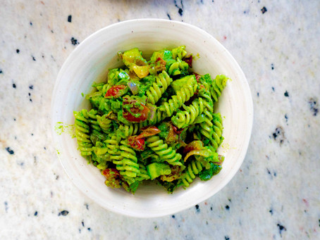Salada de Macarrão e Vegetais com Pesto | Receita 3 em 1