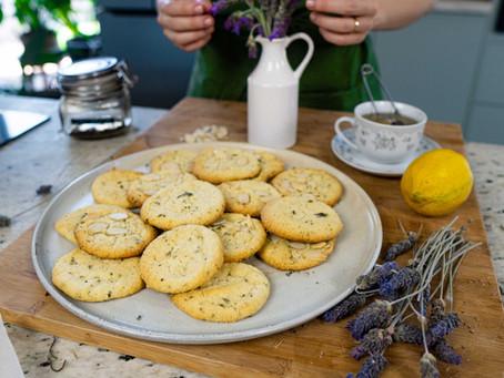 Biscoitos de Chá Preto e Lavanda | Receita