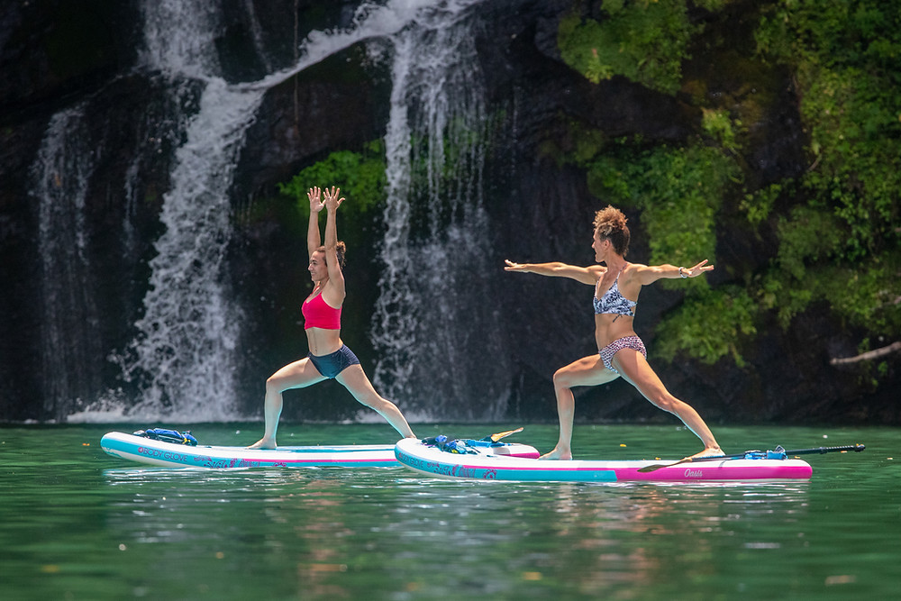 The Body Glove Oasis paddle board is designed to fit the yogi lifestyle with premium, innovative design features.