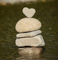 heart_water_stone_heart_nature_balance_s