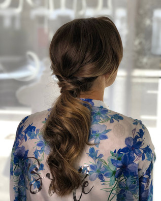 Loose relaxed ponytail