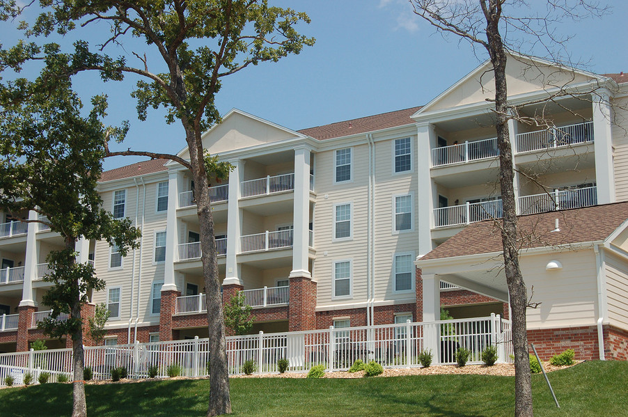 Branson Hills Eagle Bunker Condos & Golf Villas