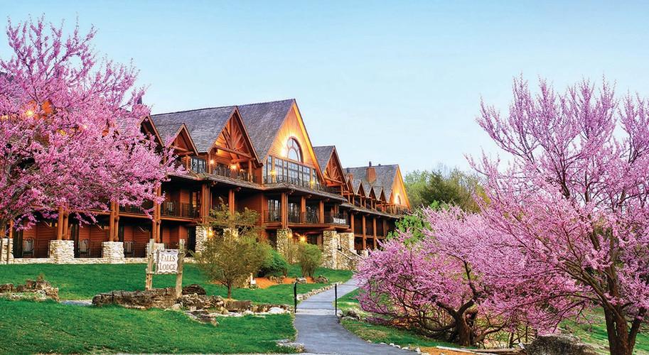 Falls Lodge at Big Cedar