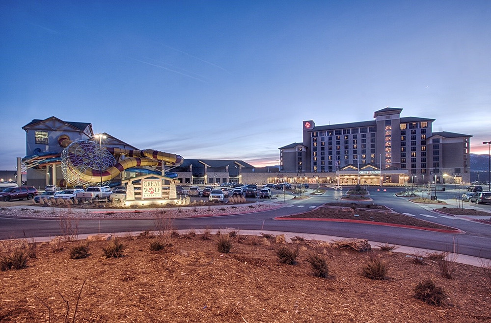Great Wolf Lodge Takes Home Construction Award - Night Exterior Image