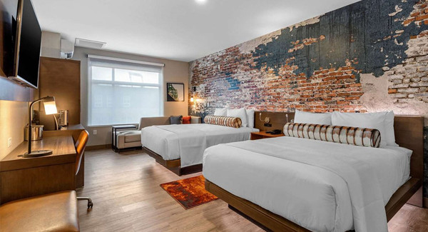 Omaha Cambra Guest Room